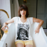 lily_portrait_tub